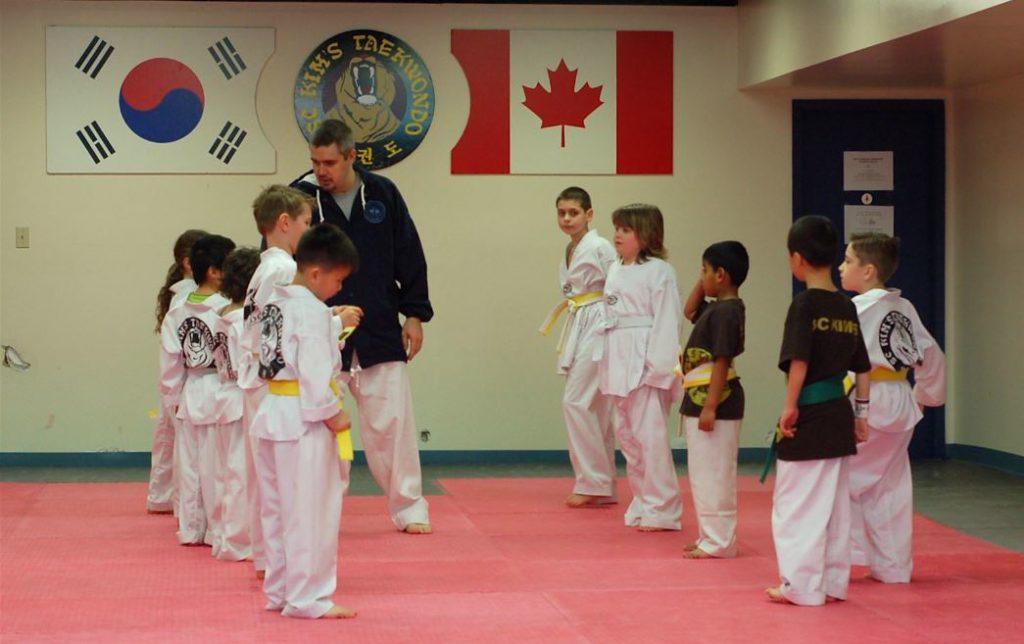 El Taekwondo para niños ayuda a hacer amigos